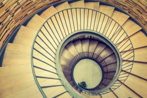 escadas-hipnose-redemoinho-interior-abstrato_1203-4484